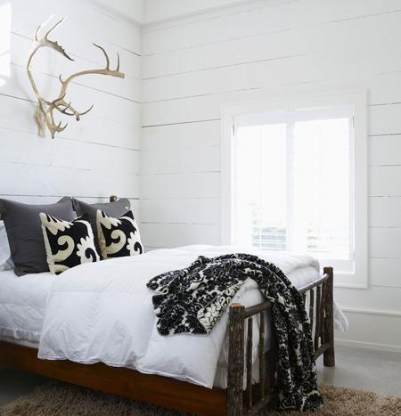 white reclaimed wood wall