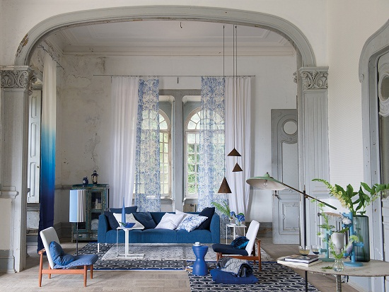 Designers guild saraille wallpaper for autumn dear designer for Cortinas blancas para salon