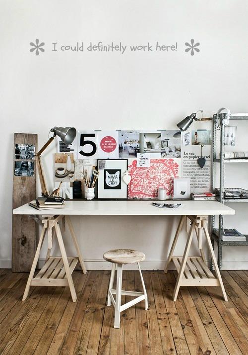 Impossible de passer à côté d'une des dernières créations du jeune designer allemand Sebastian Herkner. Les tables «Bell» en verre soufflé et laiton sont comme des bijoux.
