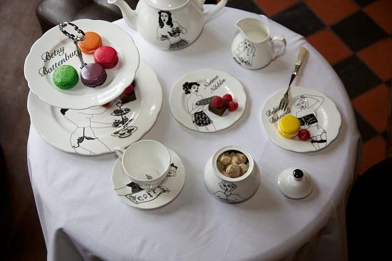 dupenny cheeky pin-up tea set 4