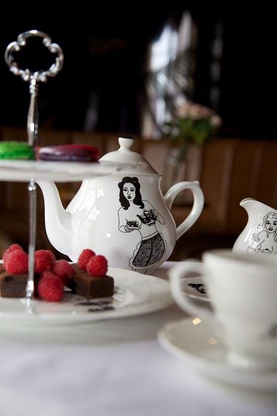 dupenny cheeky pin-up tea set