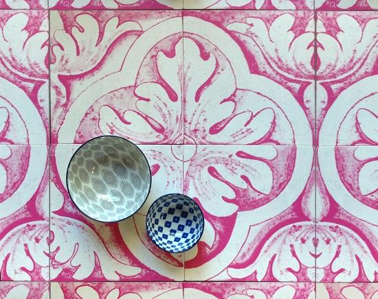 Cle - Delft Tiles - quatrefoil in magenta