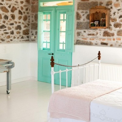 A Greek Island Guesthouse photographed by Claire Lloyd [4]