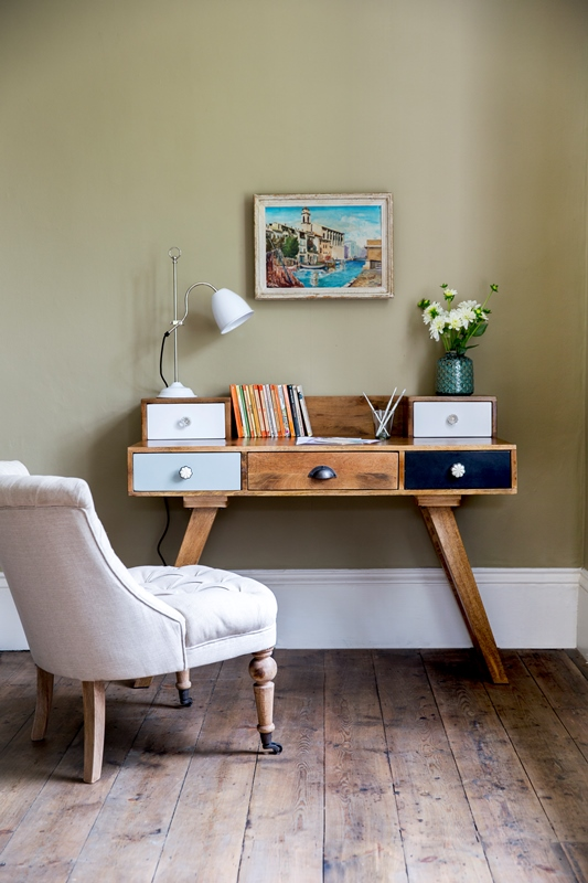 Milligan Desk, Atkin and Thyme