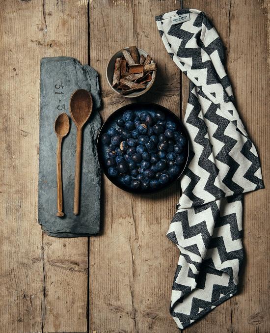 Tori Murphy - Kitchen Textiles 3