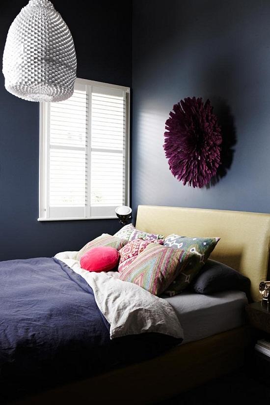 Dark and dramatic mansion flat of Interior Designer Chelsea Hing [3]