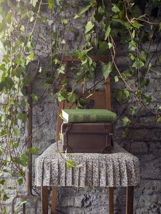 Liberty Art Fabrics Interiors - The Secret Garden Collection - Rainer Walled Garden, heavy cotton linen -ú90 per metre