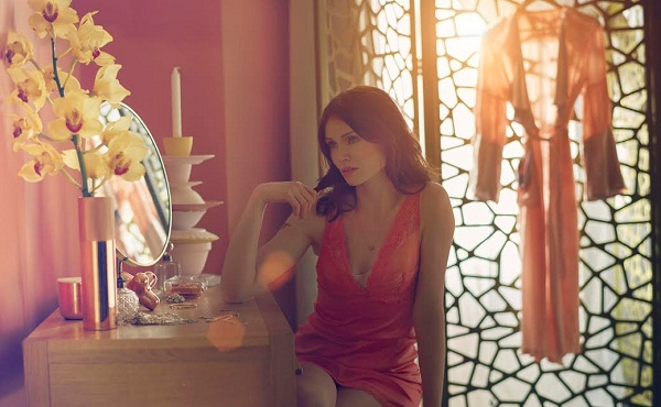 Sophie Ellis-Bextor, Face of Dulux Copper Blush 3