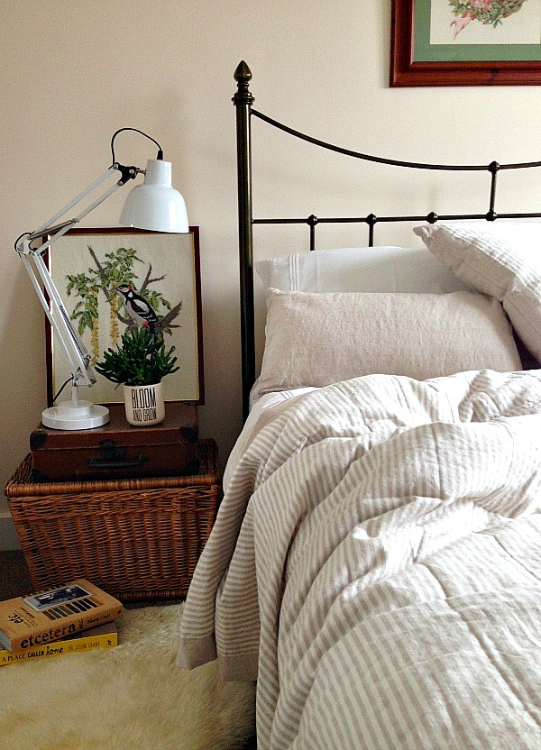 A Warm Welcome for Guests via Dear Designer's Blog