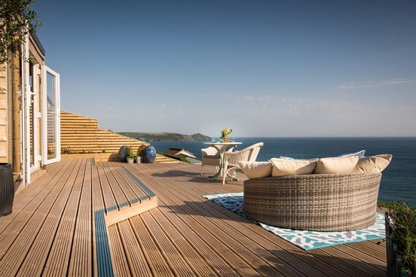 Daydreamer, luxury self catering beach hut via Unique Home Stays (2)