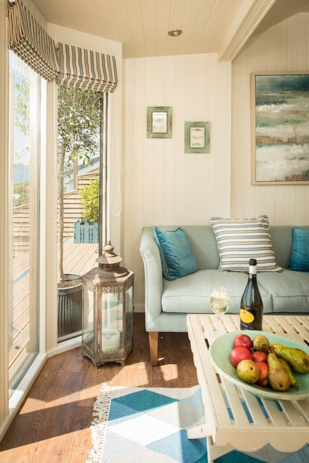Daydreamer, luxury self catering beach hut via Unique Home Stays (4)