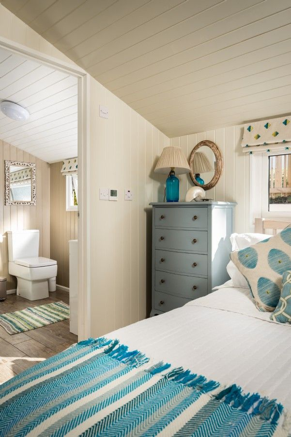 Daydreamer, luxury self catering beach hut via Unique Home Stays (6)