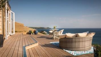 {F} Daydreamer, luxury self catering beach hut via Unique Home Stays (8)