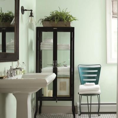 Benjamin Moore_Bathroom_Walls_Italian Ice Green (2035-70), Chair_Teal Ocean (2049-30)