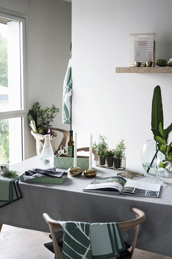 Large scale leaf prints, metal, wood and green glass from the Earthy Emerald range at H&M Home 2016 (2)
