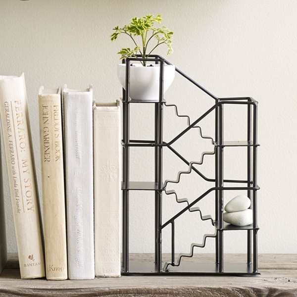 RedCandy_Stairway Bookend