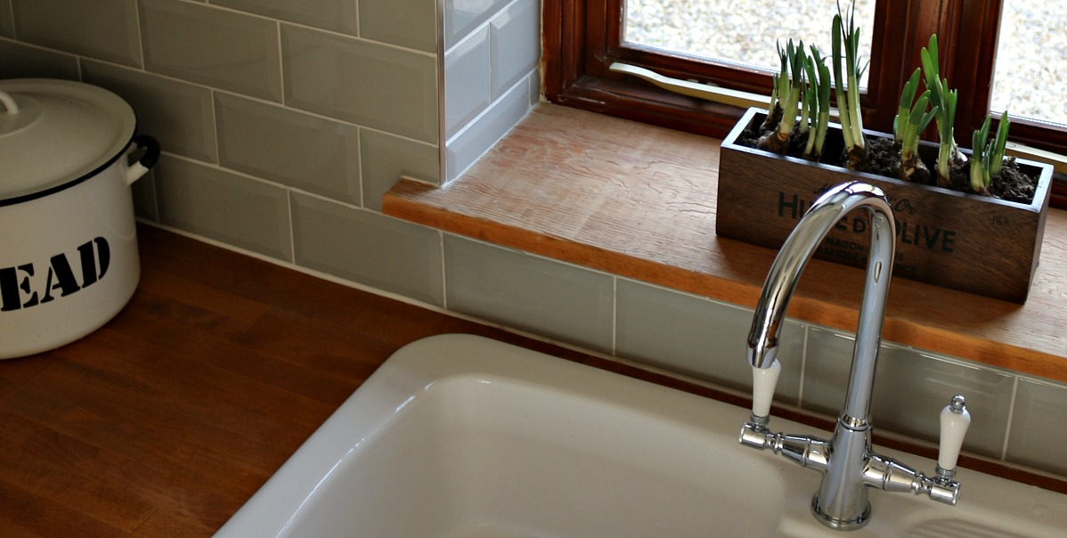 country kitchen,grey metro tiles,ceramic sink