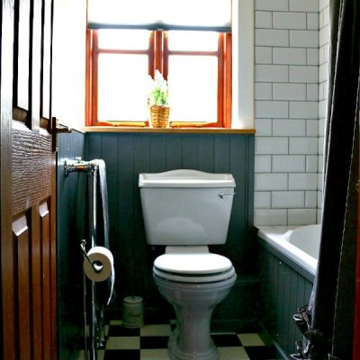 Dear Designer's Country Cottage - The Bathroom (2)