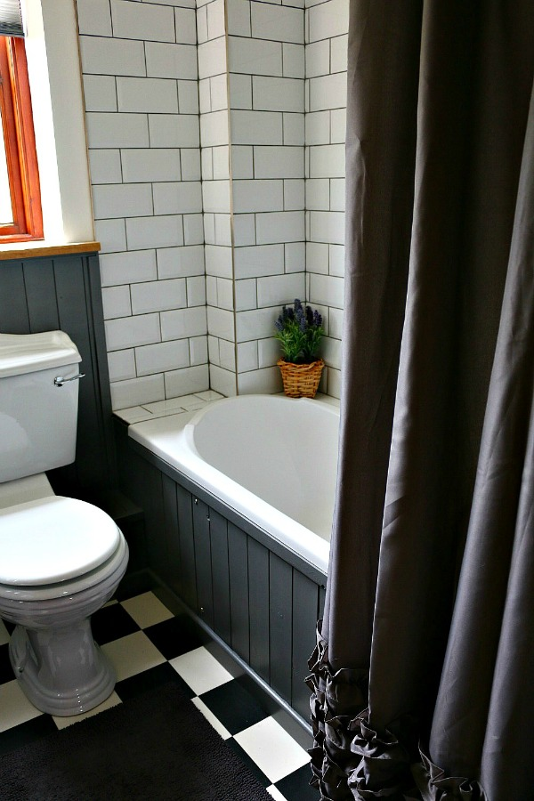 Dear Designer's Country Cottage - The Bathroom (3)