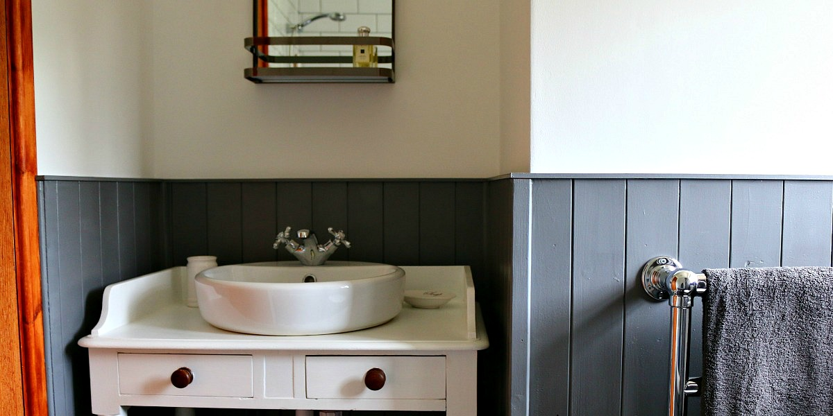 bathroom, grey, panelling,washstand