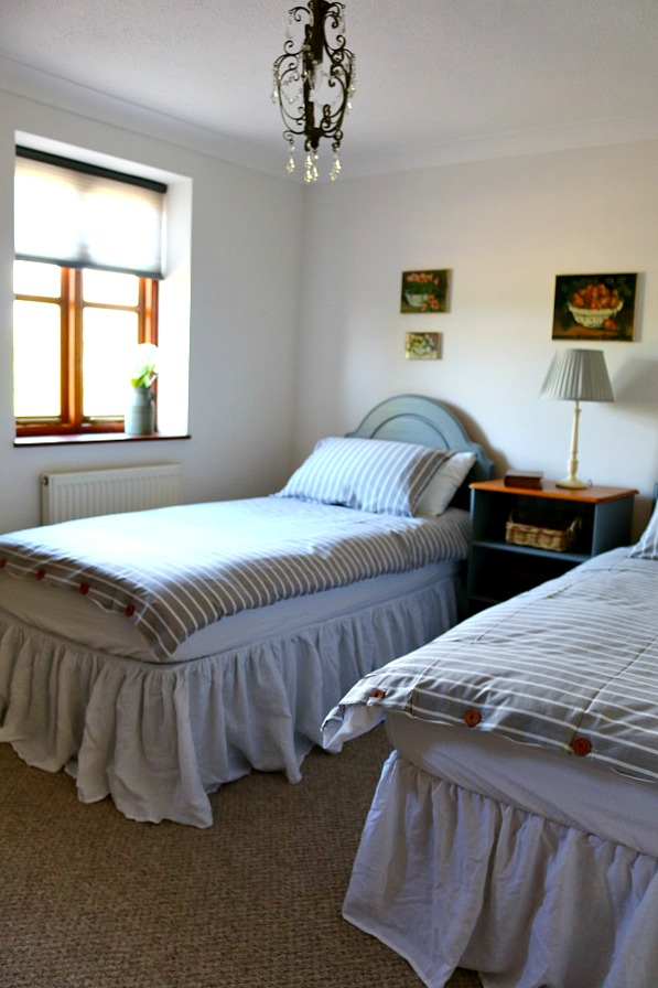 Dear Designer's Country Cottage - Bedroom 2 (2)
