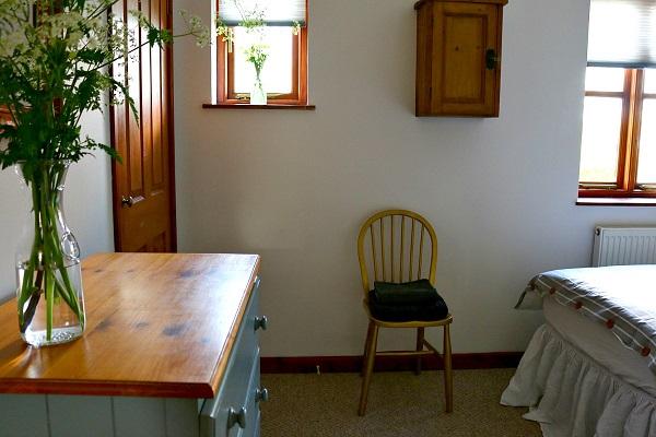 Dear Designer's Country Cottage - Bedroom 2 (6)