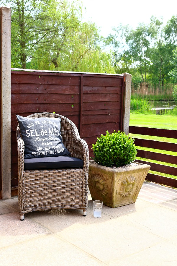 Dear Designer's Country Cottage - Patio Furniture from Out and Out Original [8]