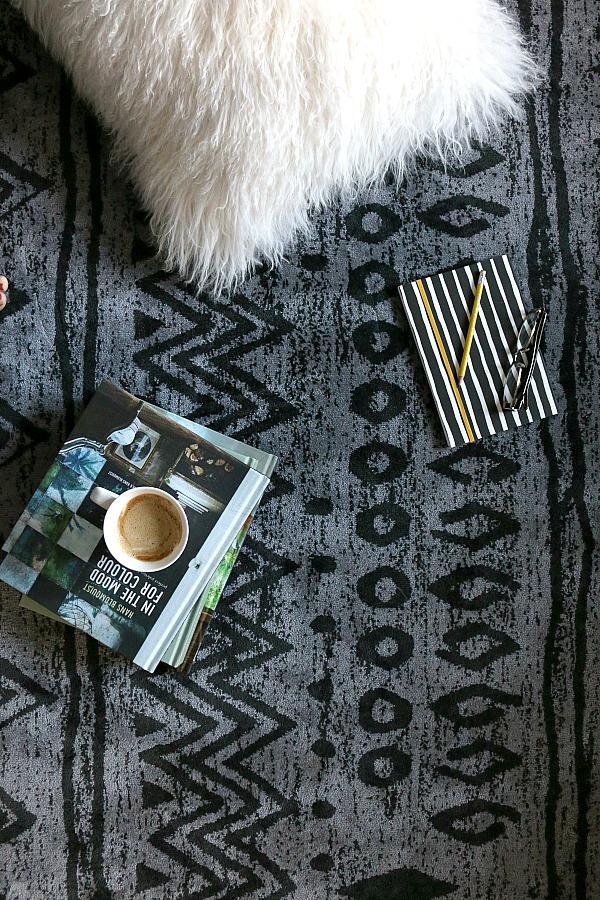 Ethnic pattern kelim in black and grey from Modern Rugs UK