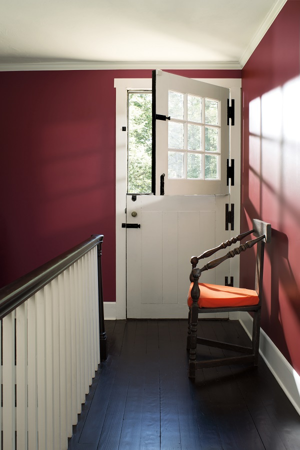 Benjamin Moore paint colours 2017 - Dinner Party and Chalk White