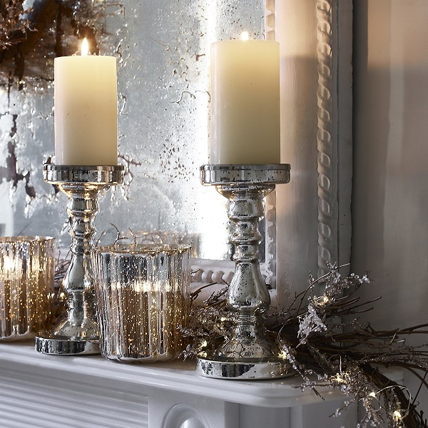 Christmas decorations - line the mantle with candles and lights