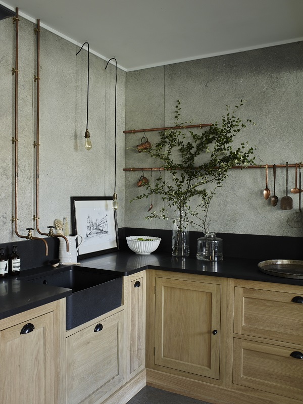 How to rock an industrial style kitchen in a chic way - Cuisine chene clair plan travail noir ...