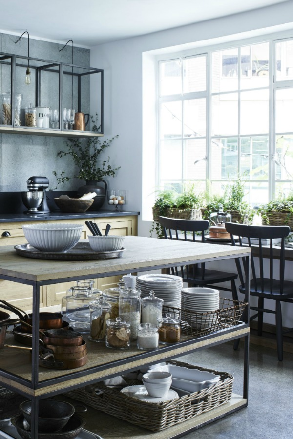 How to rock an industrial style kitchen in a chic way for Industrial style kitchen uk