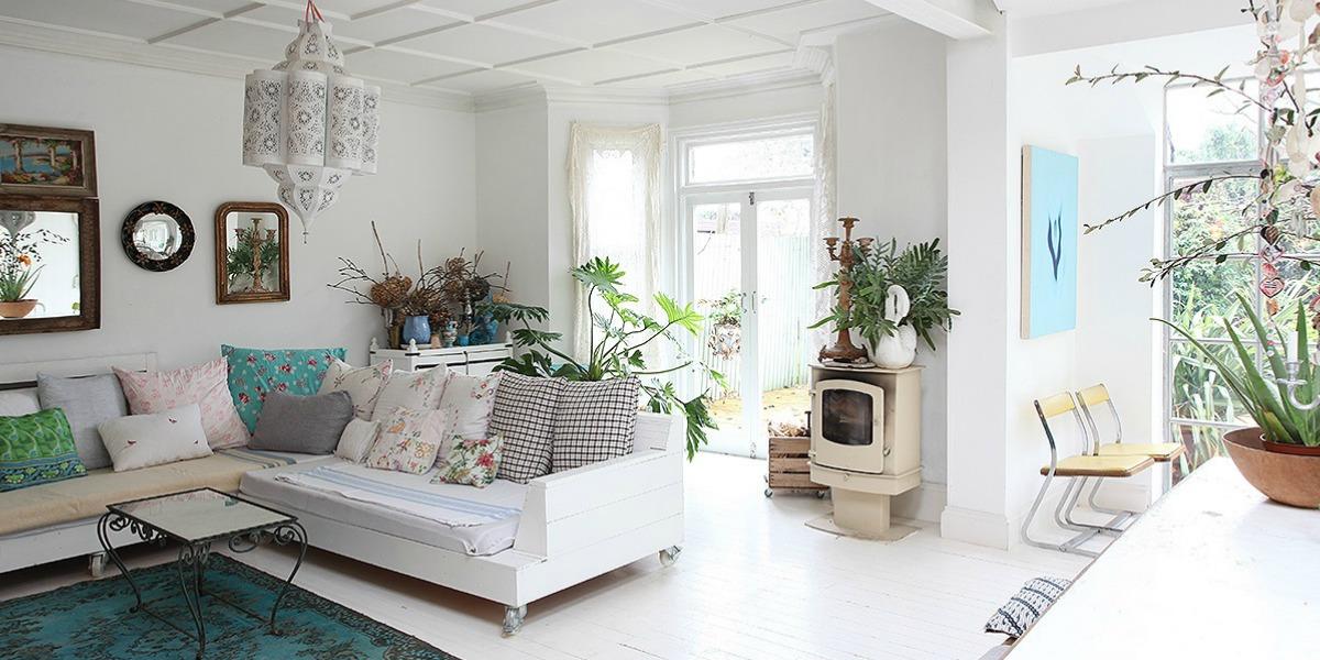 Living the Dream in White, Light, Period Splendour