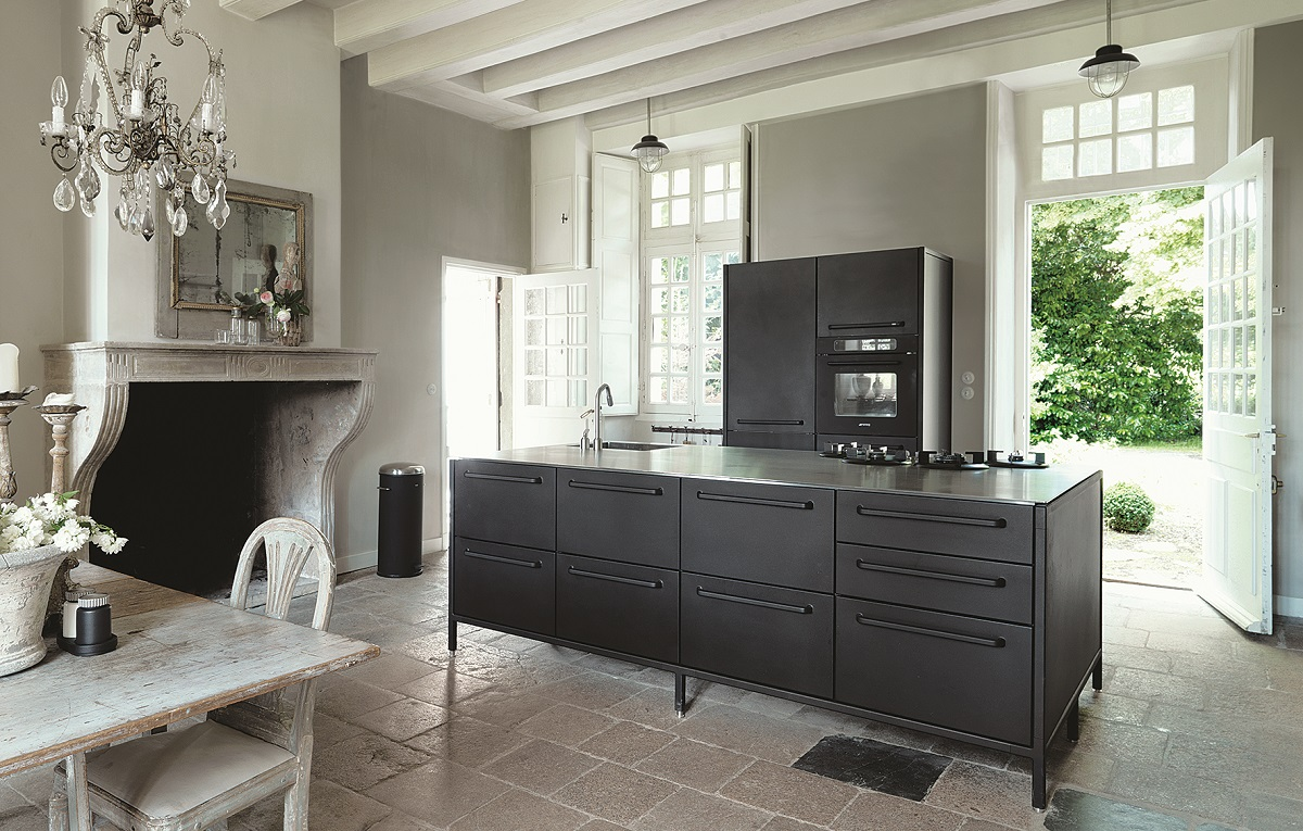 The Modular Black Kitchen From Vipp Looks Great In Any Interior