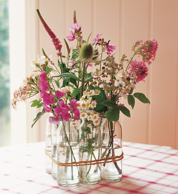 Floristry Now - Flower Design and Inspiration - by Paula Pryke - Photograph by Polly Wreford