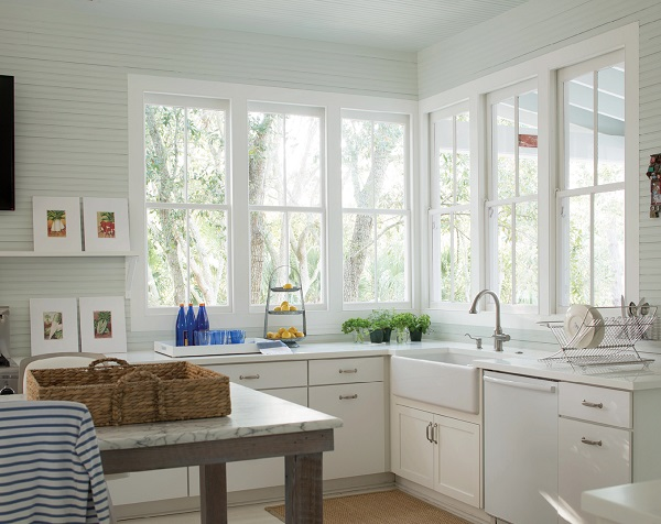 Paint a Kitchen in white to make accessories stand out