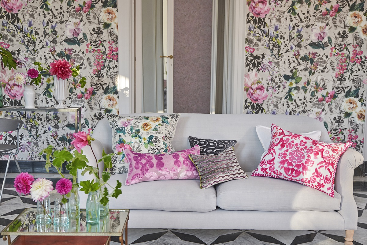 Summer flowers on pretty Designers Guild wallpaper