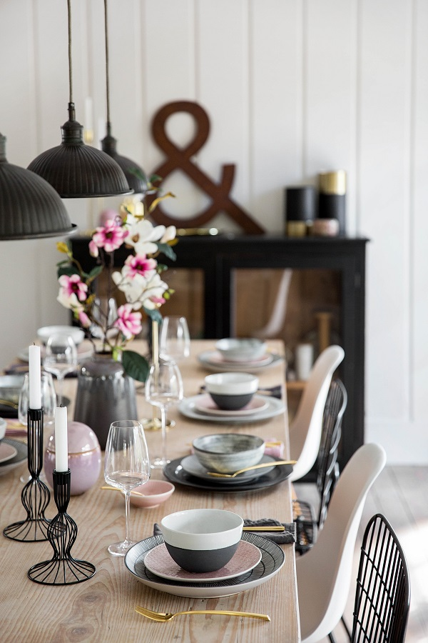 Table Decoration Ideas For Summer Dining Tables