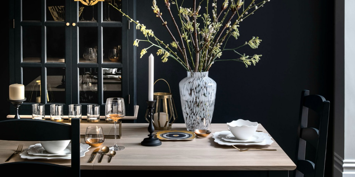 Dark and Dramatic dining scheme