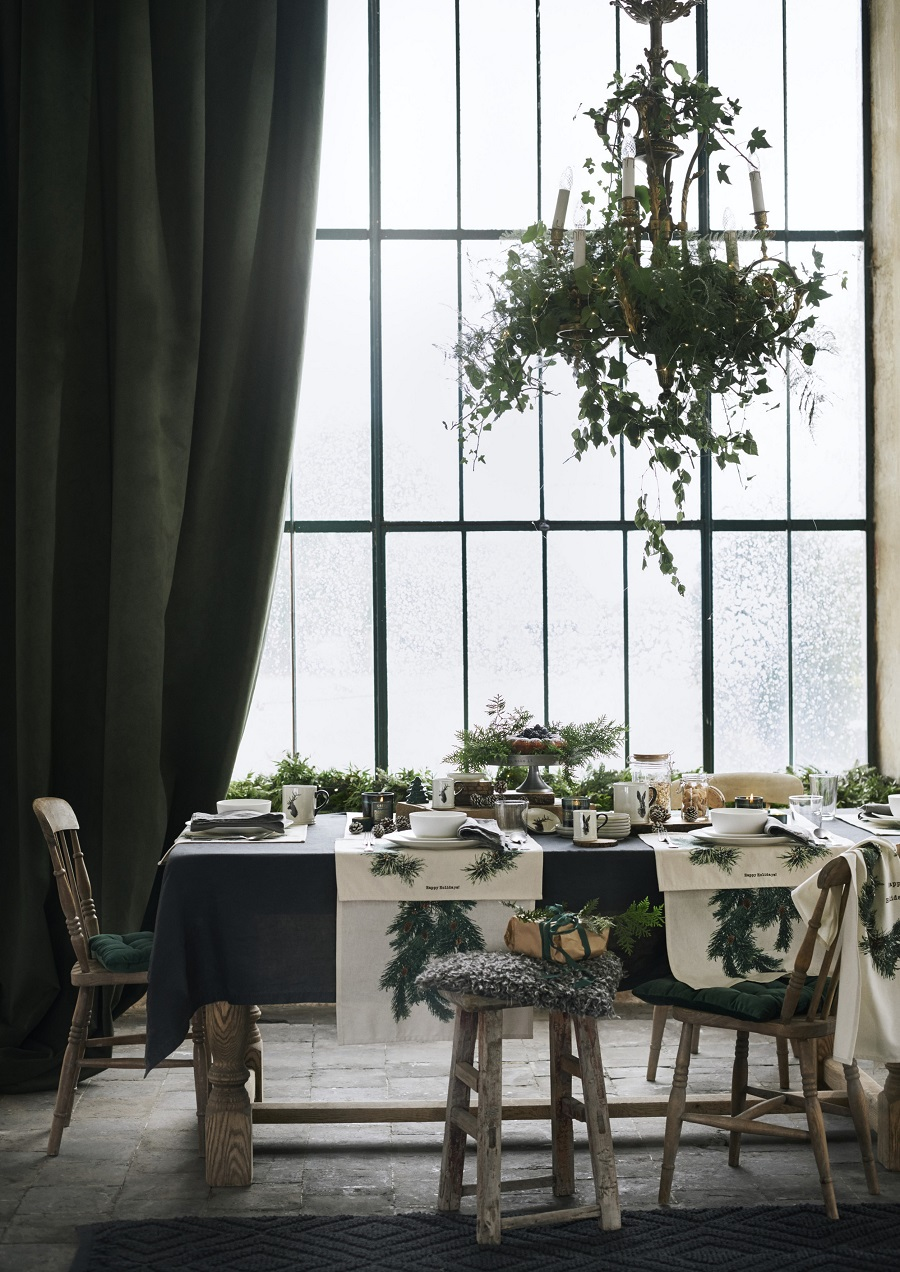 Christmas Styling at H & M Home 2017 - coordinate your table settings