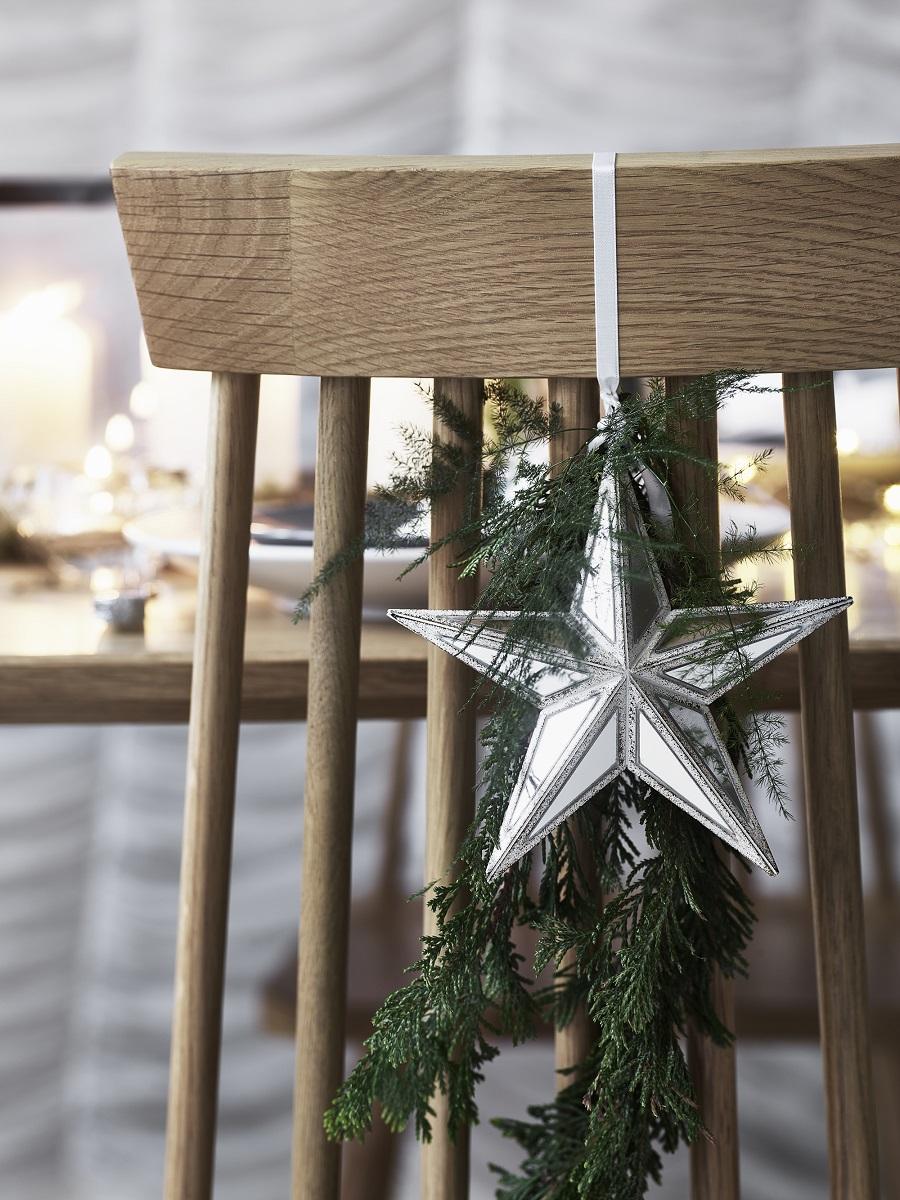 Last Minute Festive Touches - decorations for the dining chairs