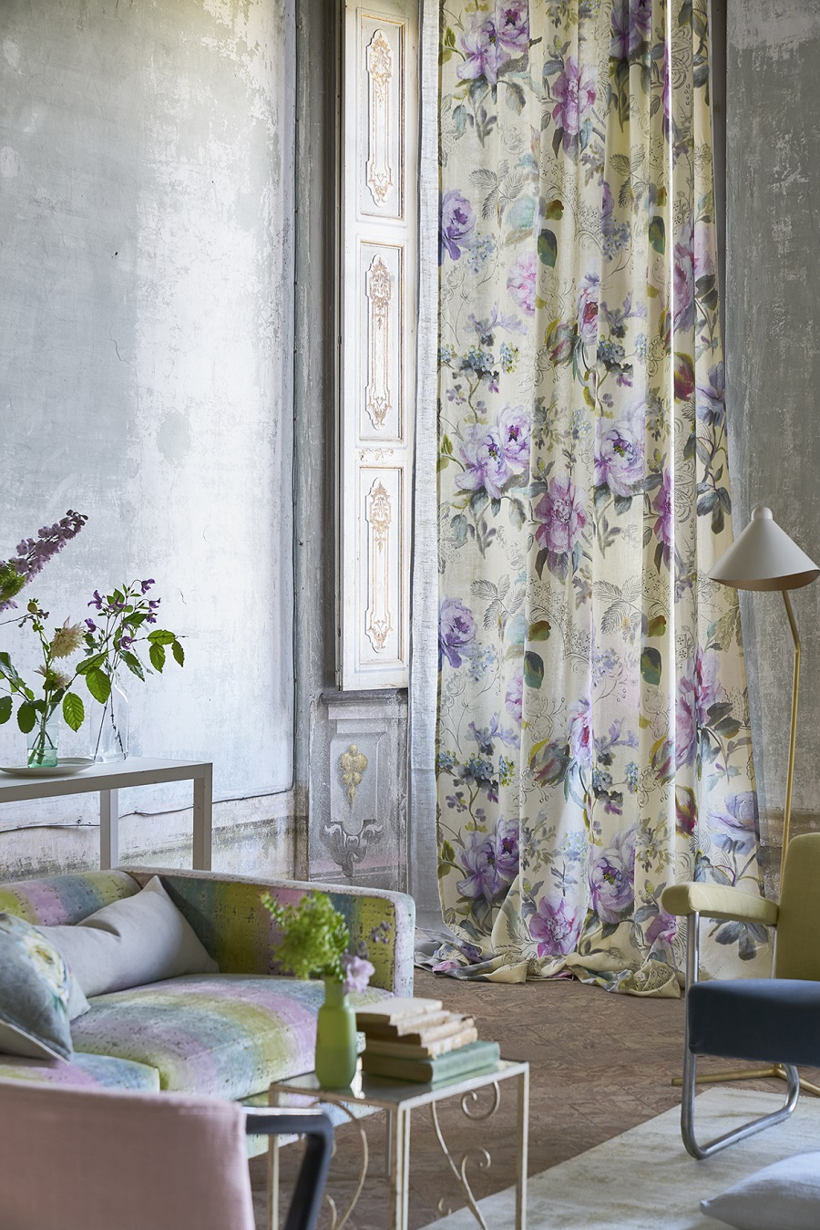 Pantone's Ultra Violet Colour of the Year 2018 and How to Use It