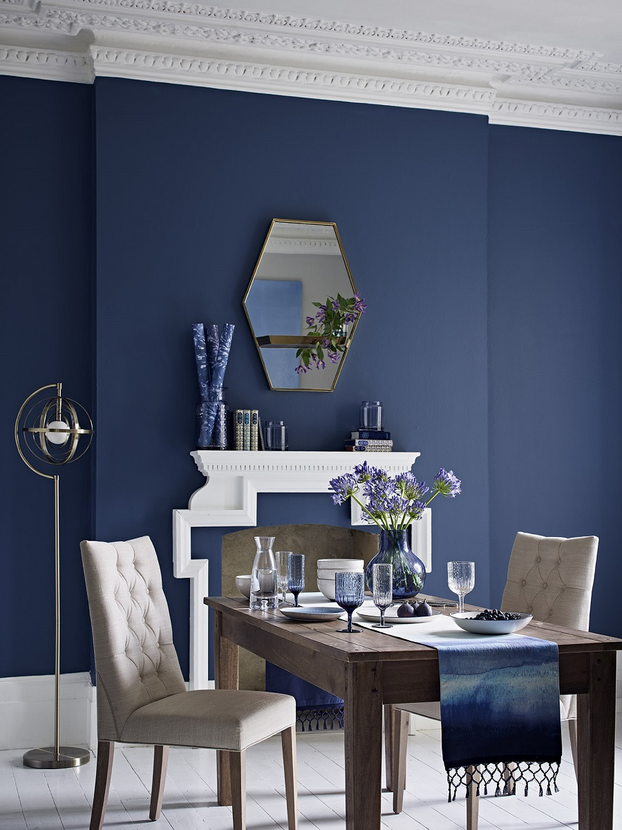 Exploring the Sophisticated Side of Navy Blue in the Home - Elegant with white