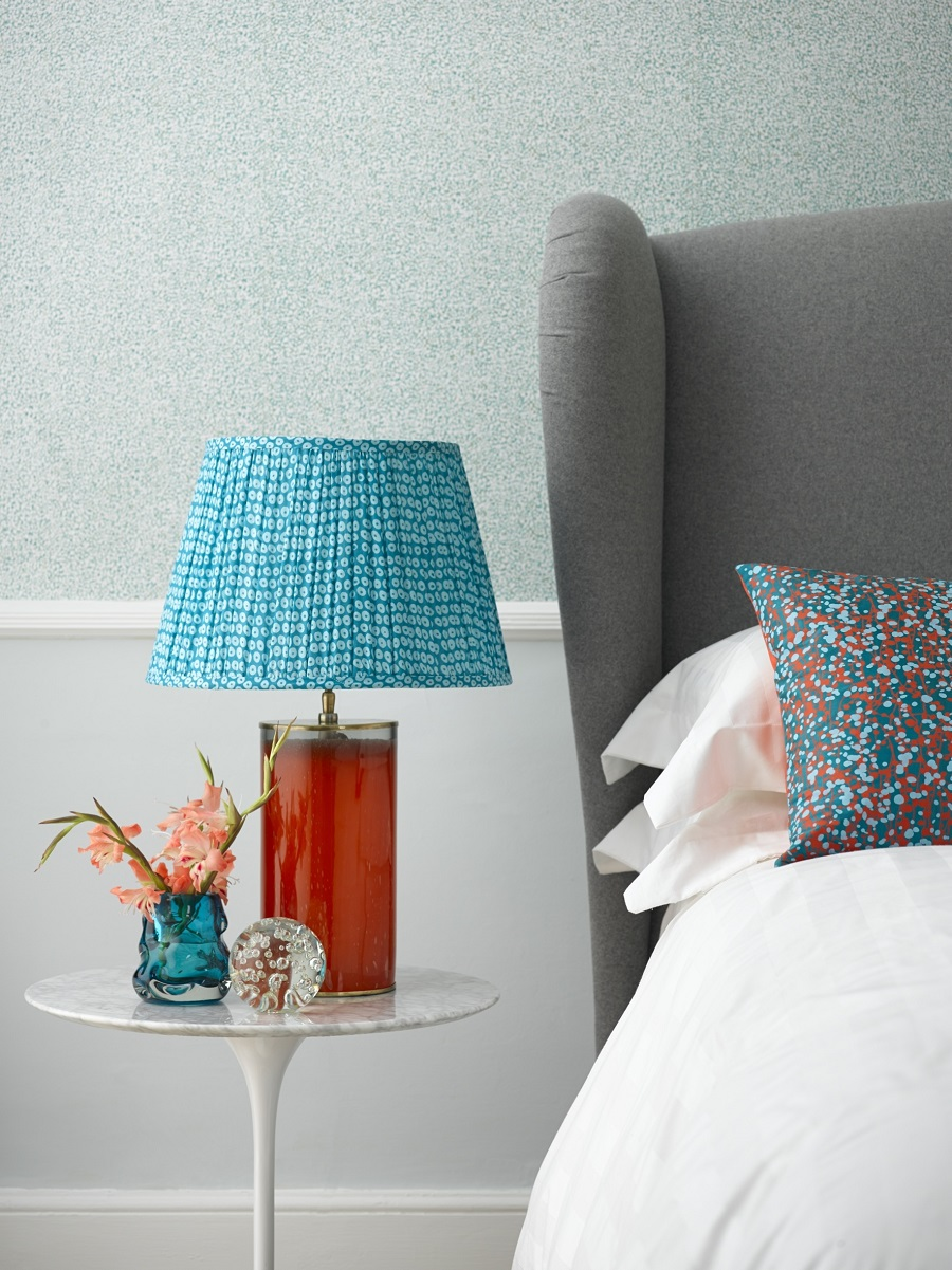 A Bedroom Needs a table lamp to look romantic