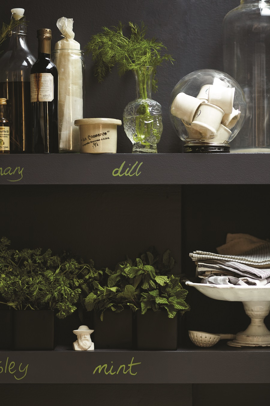 a handy chalkboard right where you need it - on the shelf