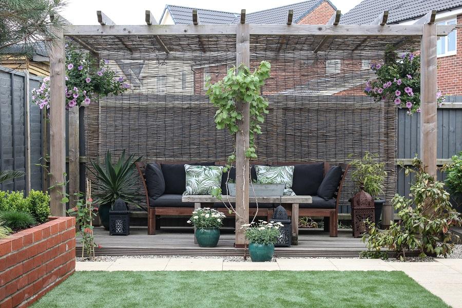 The landscaped garden - the pergola