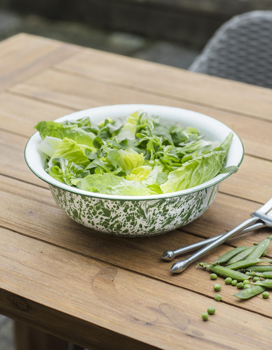 Uncluttered Homewares - enamelware for garden dining