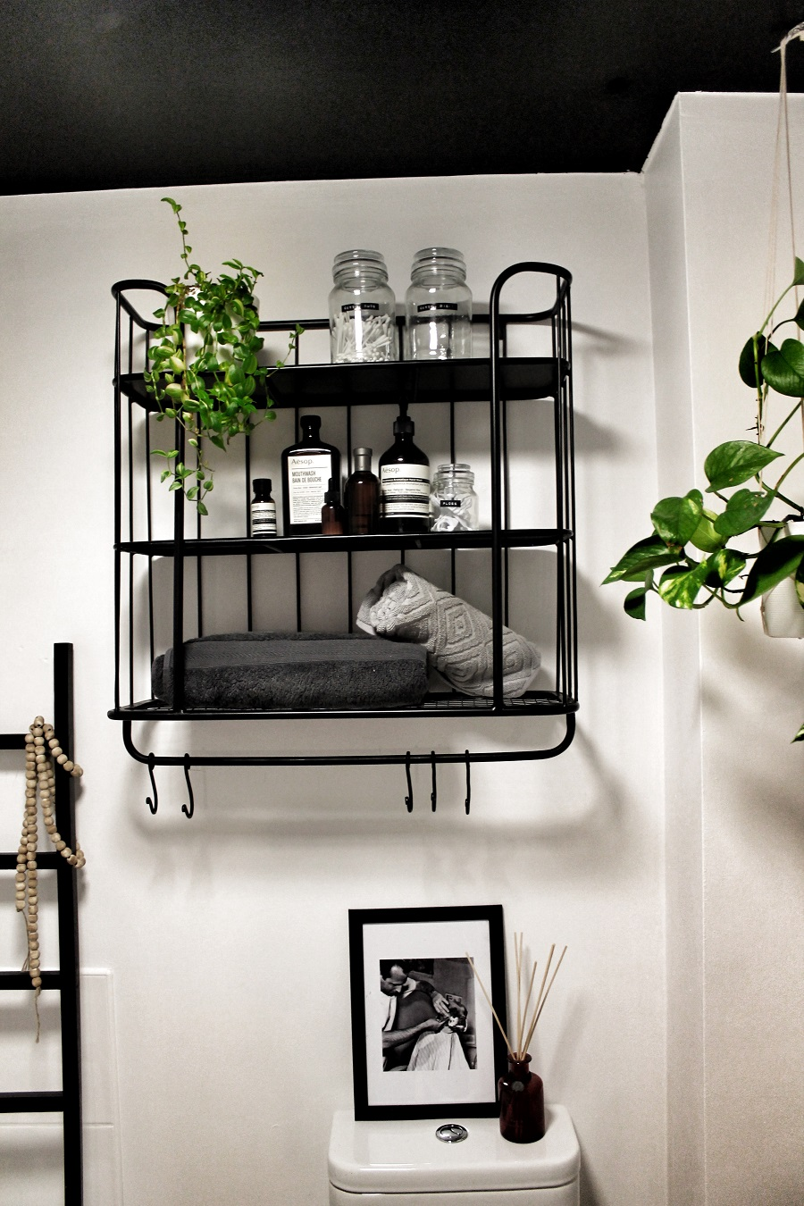 Nifty Wall Storage Ideas for Small Space Living - the bathroom