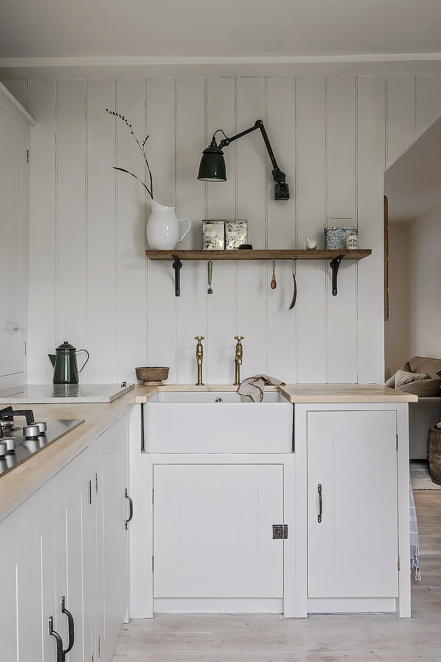 A Calm and Neutral Kitchen That Retains The Character of It's Cottage Home