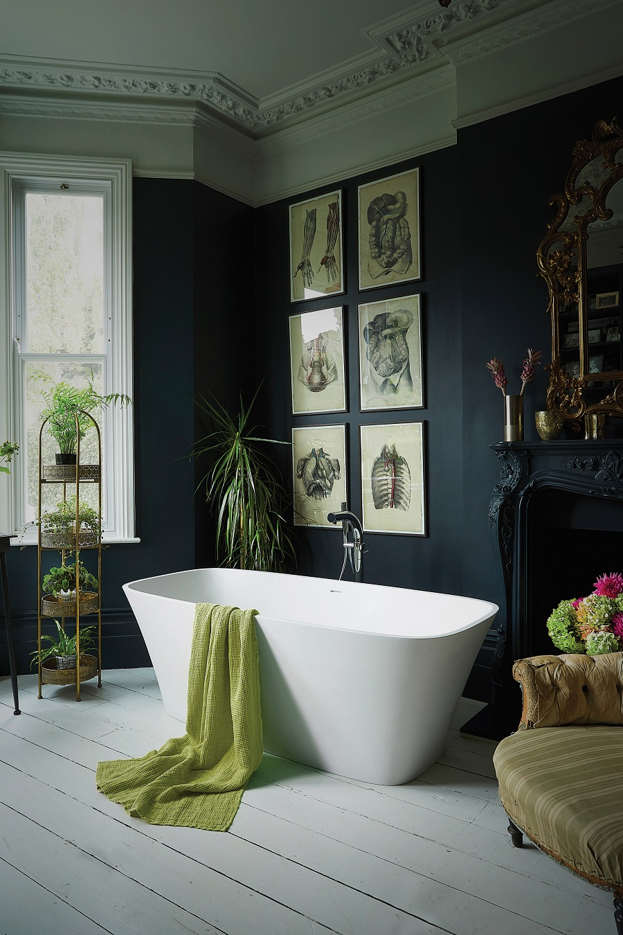 A Bathroom That Successfully Combines Modernity With Period Features